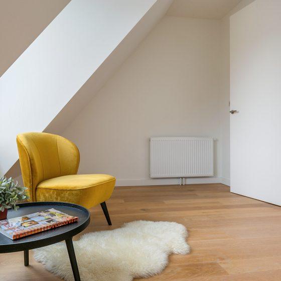 Tip: Richt altijd te koop staande huizen, appartementen in voor de verkoop. Ingerichte huizen verkopen beter. Tip: Huizen die zijn ingericht verkopen beter. Waterlands Herenhuis van ca. 200 m² * Centrum van Monnickendam * Direct te betrekken * 5 slaapkamers * Zeer ruime tuin aan vaarwater * Bootje plaatsen mogelijk * Dit prachtige Waterlandse Herenhuis van ca. 200 m² is gelegen in het gezellige centrum van Monnickendam. En vlakbij Amsterdam. U krijgt veel rust en ruimte maar tegelijkertijd bent u midden in het bruisende centrum.